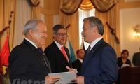Presidente de El Salvador aprecia la cooperación multifacética entre su país y Vietnam