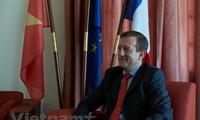 Diplomático francés alaba vínculos de cooperación con Vietnam