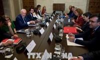 Gobierno español y la Administración catalana escenifican el diálogo pero sin acuerdos