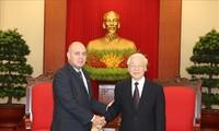 Máximo líder partidista de Vietnam recibe a altos funcionarios de Cuba y China