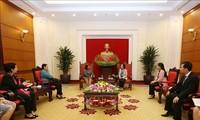 Delegación de la Federación de Mujeres Cubanas visita Vietnam