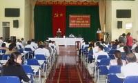Prosiguen contactos entre líderes y votantes vietnamitas