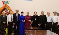Dirigentes vietnamitas felicitan a comunidades católicas en ocasión de Navidad