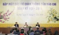 Presidenta parlamentaria de Vietnam estimula empeño de los periodistas nacionales