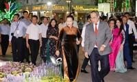 Calle de flores de Nguyen Hue ofrece actividades interesantes en ocasión del Tet