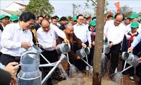 Hanói lanza la fiesta de siembra de árboles