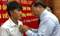 Tran Thanh Ron, un valiente pescador