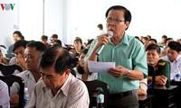 Líderes vietnamitas tratan temas parlamentarios con electores