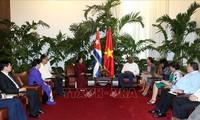 Vietnam y Cuba reiteran afianzar cooperación económica y comercial bilateral