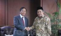 インドネシア、ベトナムとの関係を重視