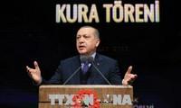 トルコ、6月24日にダブル選=エルドアン大統領、権限強化図る
