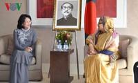 ティン国家副主席、バングラデシュ首相と会見
