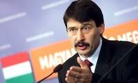 チョン書記長、ハンガリーの大統領と懇談