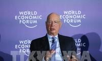 WEF ASEAN2018:アン大臣、WEFの創設者と懇談