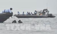 インドネシア機墜落、降着装置と本体の一部を発見