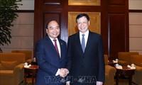 フック首相、上海市長と会見