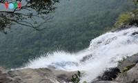 グホ(Ngu Ho)地区と ドクエン(Do Quyen)滝への旅