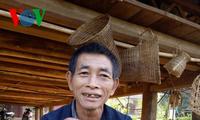 コム族の「サローン」と呼ばれる口琴
