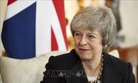 英メイ首相不信任免れる 英議会 内閣不信任決議案否決