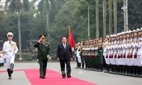 タイ国防大臣 ベトナムを公式訪問