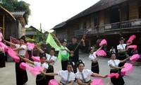 タイ族の文化的価値を保存するブオック村