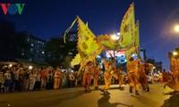 グエンティウ祭りの賑やかな活動
