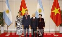 アルゼンチンの大統領、ベトナム国賓訪問を終了