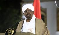 権力の座に30年 相次ぐ反政府デモに非常事態を宣言 スーダン