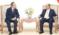 フック首相 マルハングループの会長と会見