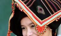 黒タイ族女性のPieuという頭巾