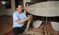 凧作り職人のグエン・ヒュウ・キエムさん