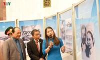ラオスのカイソン・スパヌウォン主席に関する展示会始まる