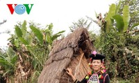 シラ族の民族衣装