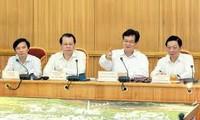 Perdana Menteri Nguyen Tan Dung melakukan temu kerja dengan Komite Rakyat kota Hanoi.