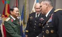 Vietnam dan Amerika memperkuat  hubungan pertahanan.