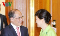 Ketua MN Nguyen Sinh Hung melakukan kunjungan kehormatan kepada Presiden Republik Korea
