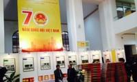 Memamerkan lebih dari 1000 benda tipikal tentang Majelis Nasional Vietnam.