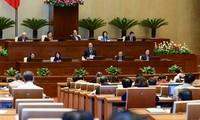 Para anggota MN  mempersiapkan  pendapat  sebelum acara interpelasi  terhadap para anggota Pemerintah