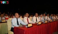 """PM Vietnam, Nguyen Xuan Phuc  menghadiri program kesenian: """"Tempat suci Dong Loc"""""""
