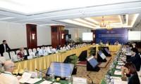 APEC: Konferensi SOM3  dan semua pertemuan yang bersangkutan meneruskan hari   kerja yang ke-3