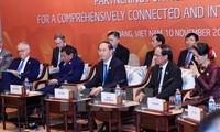 Presiden Vietnam, Tran Dai Quang memimpin dialog tingkat tinggi tidak  resmi APEC-ASEAN