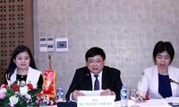 VOV  memperhebat kerjasama dengan Radio Nasional Laos