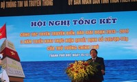 Memperhebat  sosialisasi tentang laut dan pulau yang berkaitan dengan perkembangan sosial-ekonomi, menjamin keamanan dan pertahanan