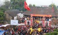 Datang mengunjungi Kabupaten Thanh Thuy untuk menikmati dan mencari tahu tentang  pesta mengarak gajah Dao Xa
