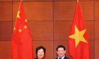 Memperhebat pertukaran pengalaman antara Badan Pemeriksa Keuangan Negara Viet Nam dan Badan Pemeriksa  Keuangan Negara Tiongkok