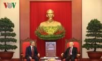 Viet Nam  mementingkan  pengokohan dan  pengembangan hubungan kemitraan stragtegis dan komprehensif  dengan Federasi Rusia