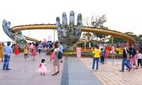 Wisatawan  yang datang ke kota-kota Hue, Da Nang dan Quang Nam meningkat tinggi pada Hari Raya Tet.