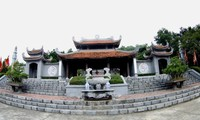 Artistik yang unik dan alam yang aneh di Kuil Cao An Phu