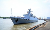 Kapal pengawal angkatan laut Bangladesh melakukan kunjungan persahabatan di Kota Ho Chi Minh
