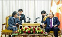 PM Nguyen Xuan Phuc menerima Sekjen Partai Liberal Demokrat  Jepang